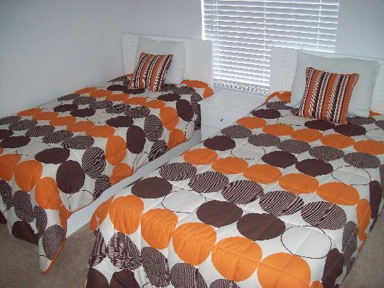 SunLake Condominiums Resort : Bedroom 3 - Two Twin Beds