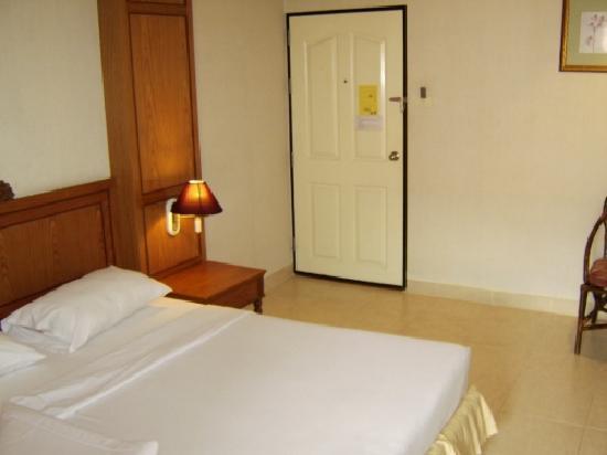 Sabai Lodge: room