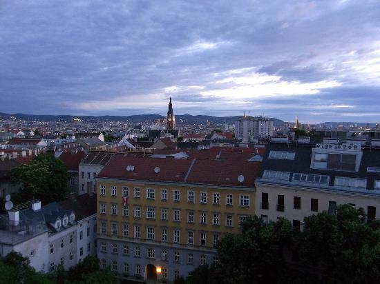 Novum Hotel Prinz Eugen Wien: 部屋からの景色です。明け方です。