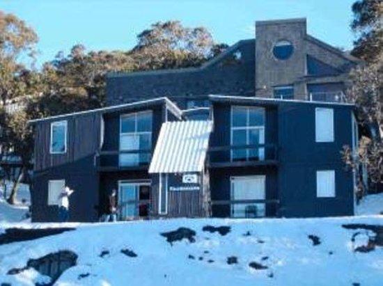 Kilimanjaro Apartments: frontage