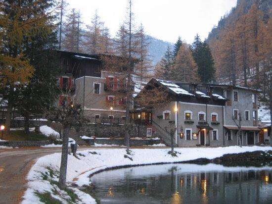 Lago Laux: Hotel e Ristorante