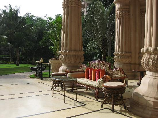 The Leela Palace Bengaluru: Exterior