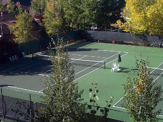 Trappeur's Crossing Resort and Spa: Trappeur's Crossing Resort tennis courts