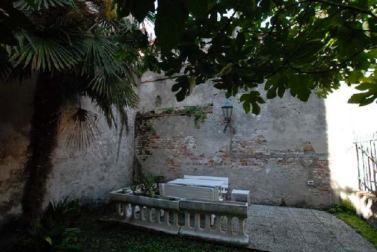 Ca' Querini San Marco B&B: The garden