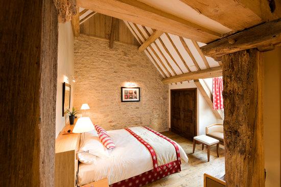 Relais & Chateaux - Hostellerie de Levernois: Chambre Supérieure Glycines