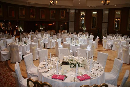 An Grianan Hotel: The wedding reception room