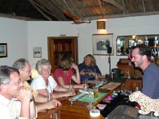 The Lodge At Big Falls: Evening at the bar