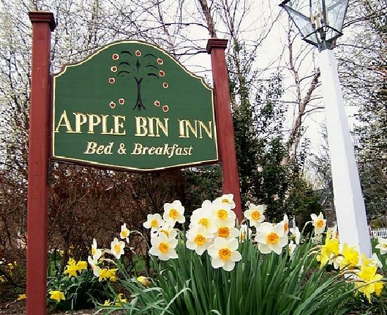 ‪Apple Bin Inn‬