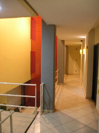 Hotel RS Suites: Pasillo