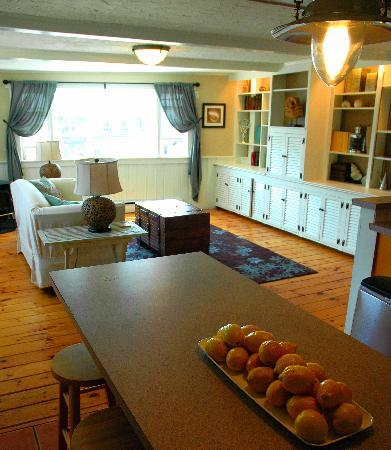 Continental breakfast included home made popovers in the sunny waterview kitchen.