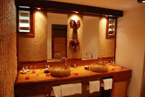 Le Jardin Maore : Salle de bain bungalow Banane