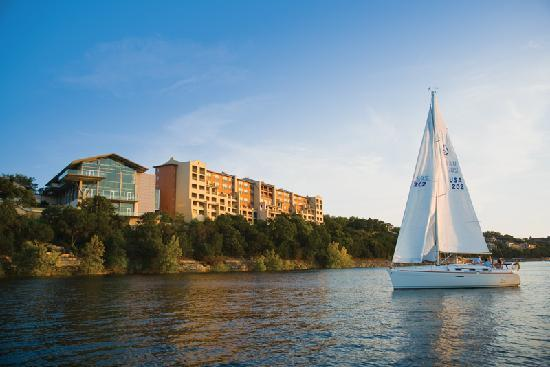 Lakeway Resort and Spa: Water activities, full service marina, fishing and sailing