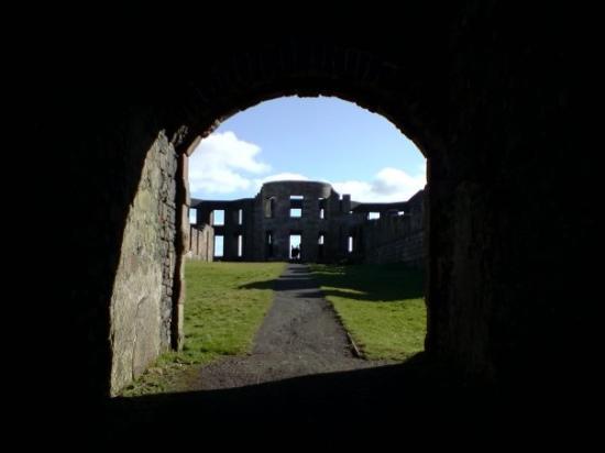 Mussenden Temple: Castlerock