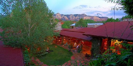 El Portal Sedona Hotel: The courtyard from room 11