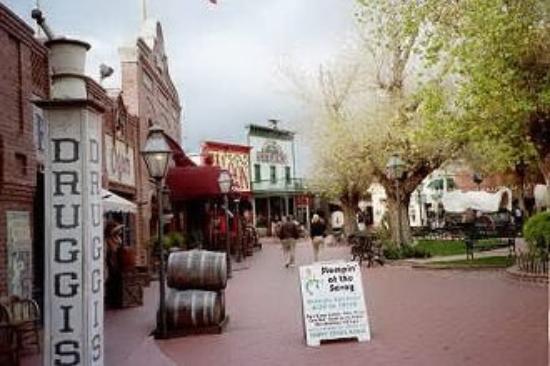 Nogales, MX