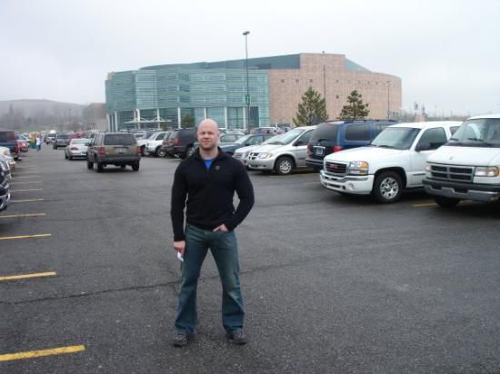 Оберн-Хиллз, Мичиган: Auburn Hills í Detroit 2007.  Heimavöllur Detroit Pistons.