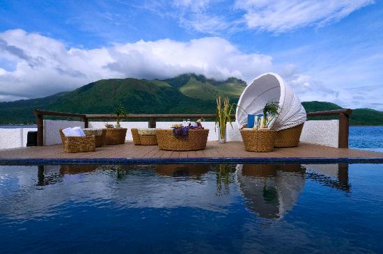 Bellarocca Island Resort and Spa: Beachfront Pool