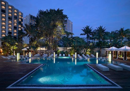 Grand Hyatt Singapore: Outdoor Swimming Pool