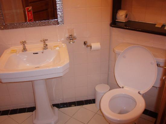 The Davenport Hotel: Bathroom
