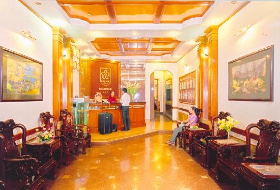 Hanoi Ruby Hotel: hotel reception