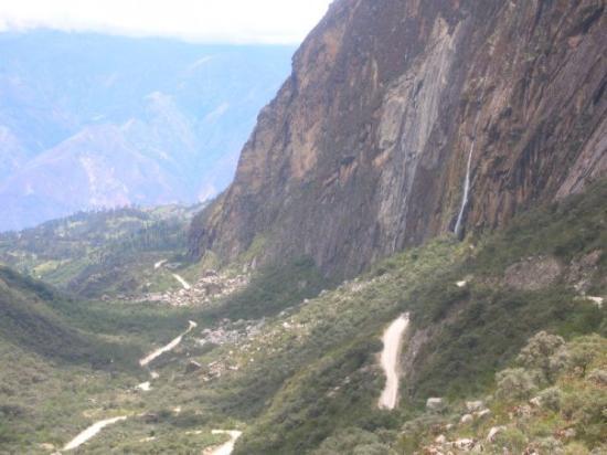Caraz, Peru: panorama delle ande