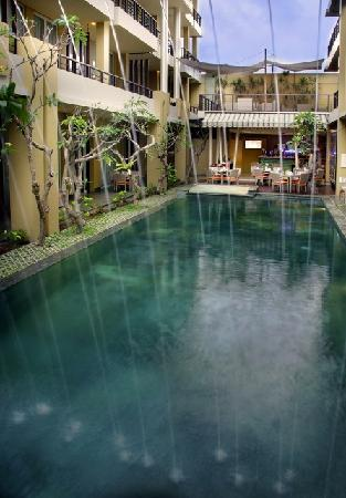 100 Sunset Boutique Hotel: Pool