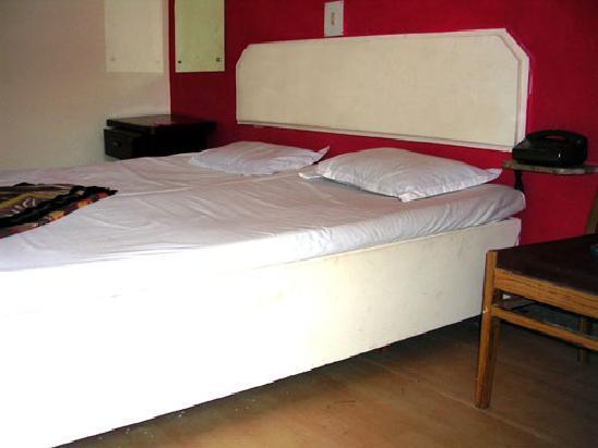 Hotel Host: Single Bedroom