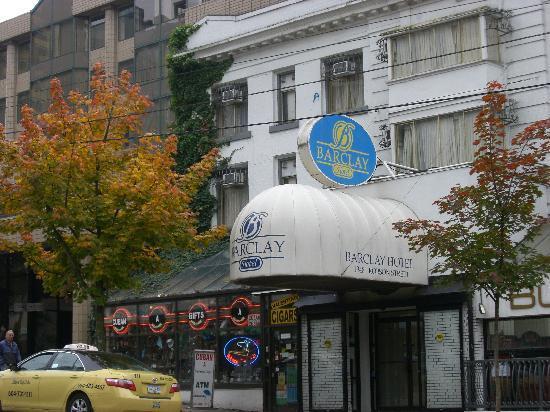 Barclay Hotel: ロブソン通りに面しています