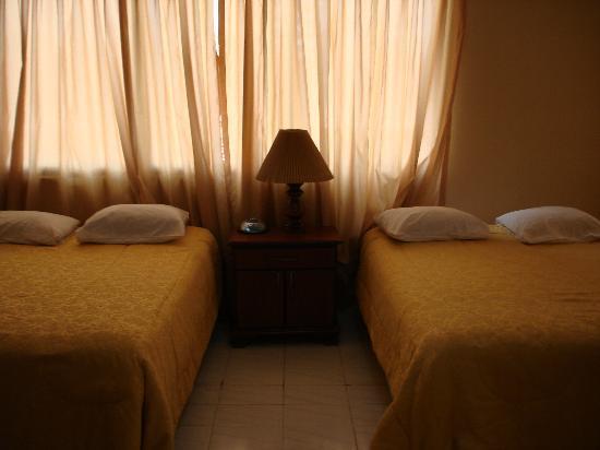 Aparthotel Alfa: Cuarto Principal (Suite)