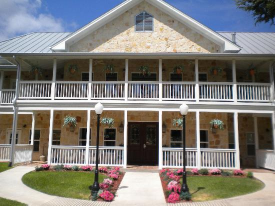 Gruene River Hotel & Retreat : The entrance