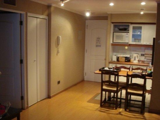 Time Suite: cómoda mesa para comer
