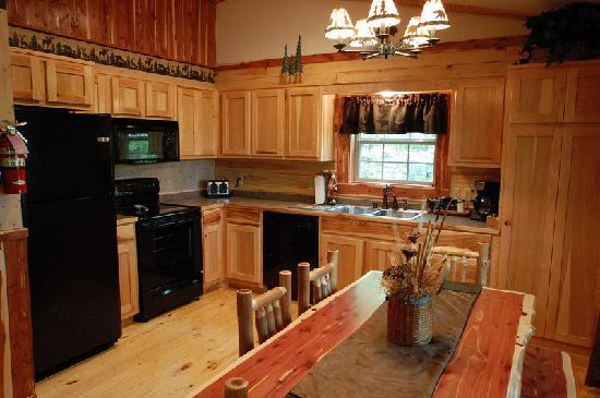 Lake Forest Luxury Log Cabins: Fully Equipped Kitchens