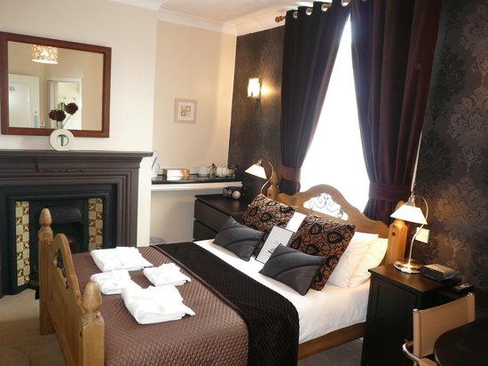 Anis Louise Guest House: Double En-Suite room