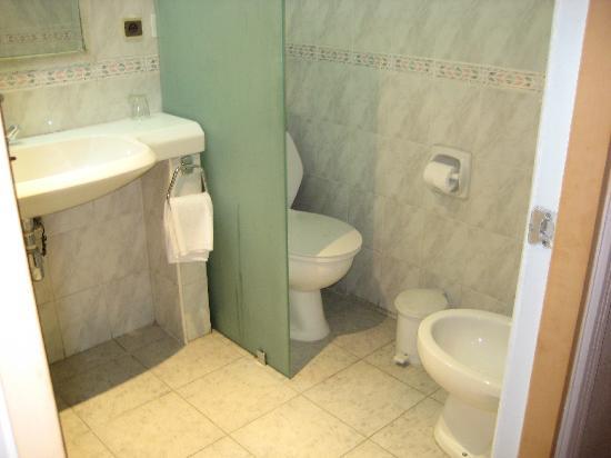 Wassim Hotel: toilet