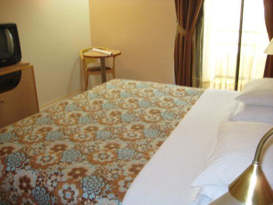Wassim Hotel: room