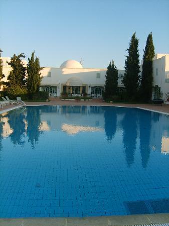 Vincci Flora Park: la piscine de l hotel