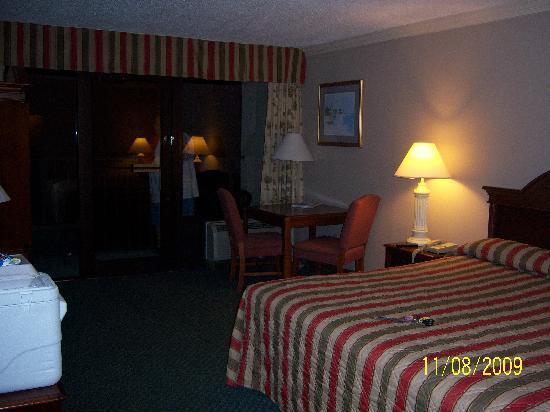 Windjammer Inn: King Room