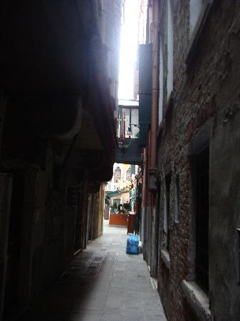 Hotel San Salvador : A shot of the street that the San Salvador straddles - a canal at the end that you can't see ala