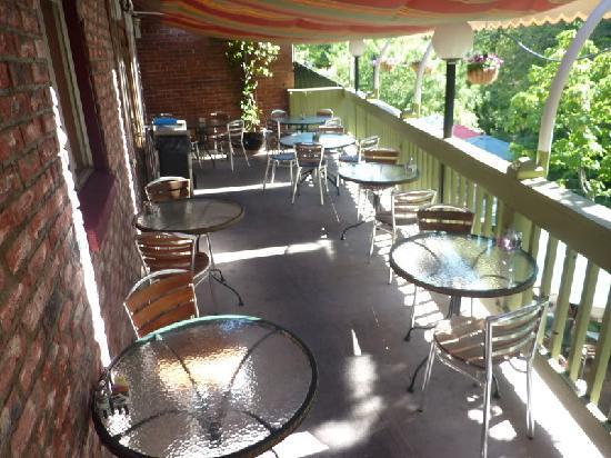 Greenleaf Restaurant: Deck Seating