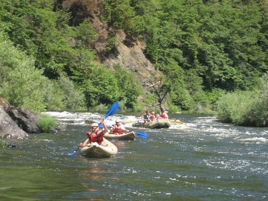Marble Mountain Ranch - Family Guest Ranch : kayaking on the river
