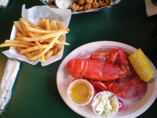 Yankee lobster fish market boston seaport district for Fish restaurant boston