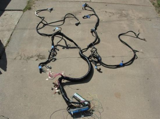 ไวโอมิง, มิชิแกน: LS Solutions modified factory harness, 2003 LQ4, cable TB conversion.