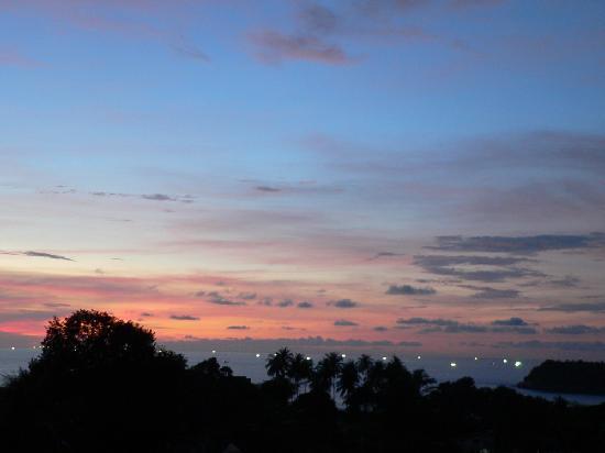 Katamanda - Luxury Phuket Villas: Sunset from our balcony