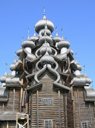 Kizhi - Chiesa della Trasfigurazione. Copyright Ms Larsen 2006.