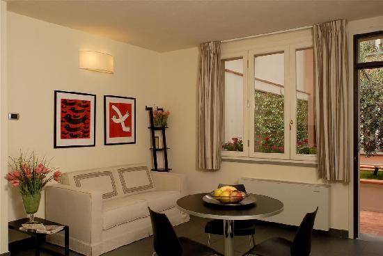 Appartamenti classici foto di cittadella residence for Appartamenti moderni