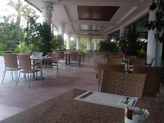 Terras buiten picture of ic hotels green palace antalya
