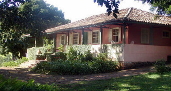 Fazenda Laranjal Guest Ranch: We have 6 suites in the main house