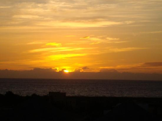CalyCanto Casitas: Gorgeous sunsets.