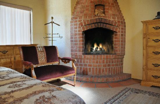 Woodland Casitas: Fireplace