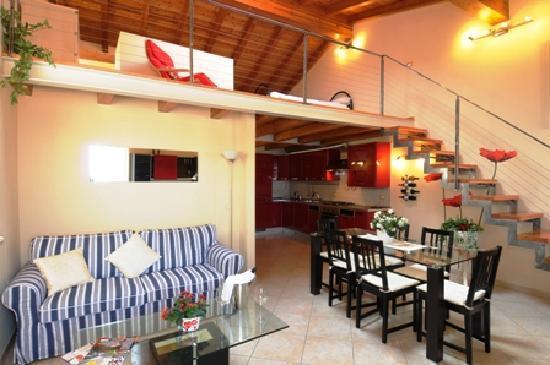 Antiche Rive Apartments : appartamento Garda
